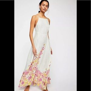 Free People 💕 Embrace it Floral~print Maxi dress